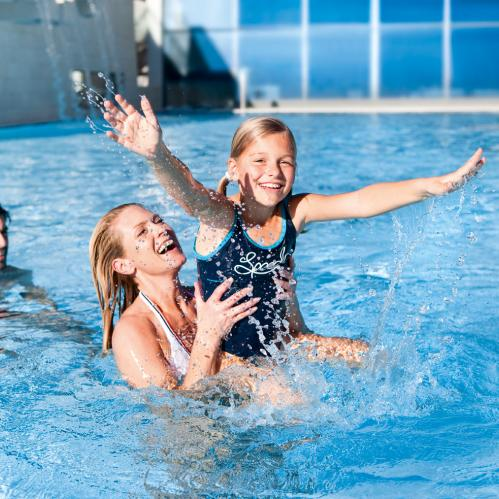 Fun in the water for the whole family in the TAUERN SPA | © TAUERN SPA Zell am See - Kaprun