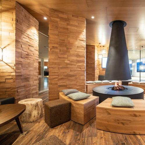 Expedition Base Camp - indoor fire place | © TAUERN SPA Zell am See - Kaprun