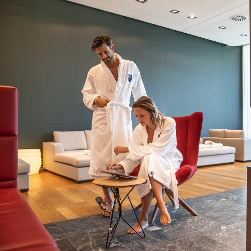 Relax! lounge indoor in the TAUERN SPA | © TAUERN SPA Zell am See - Kaprun