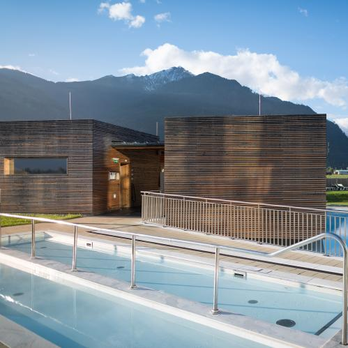 Kneipp basin in the outdoor area of the SPA sauna world | © TAUERN SPA Zell am See - Kaprun