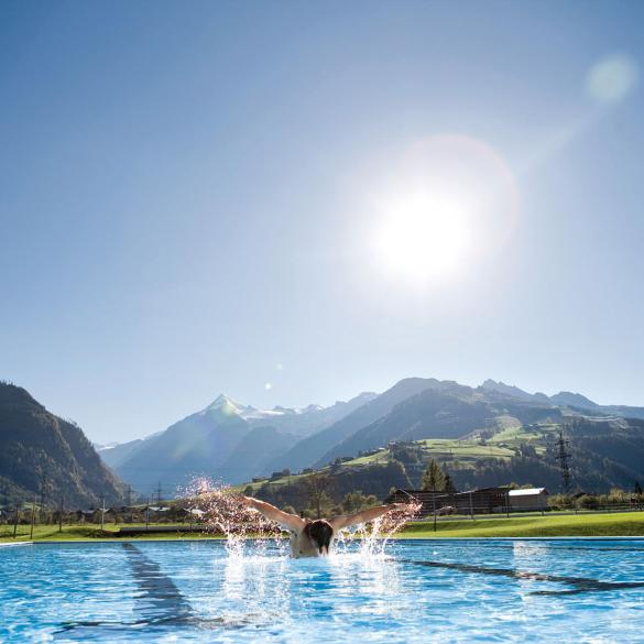 sports pool tauern spa training