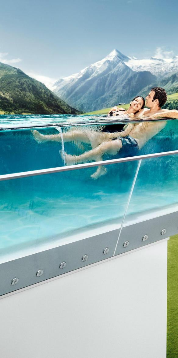 couple in outdoor pool tauern spa